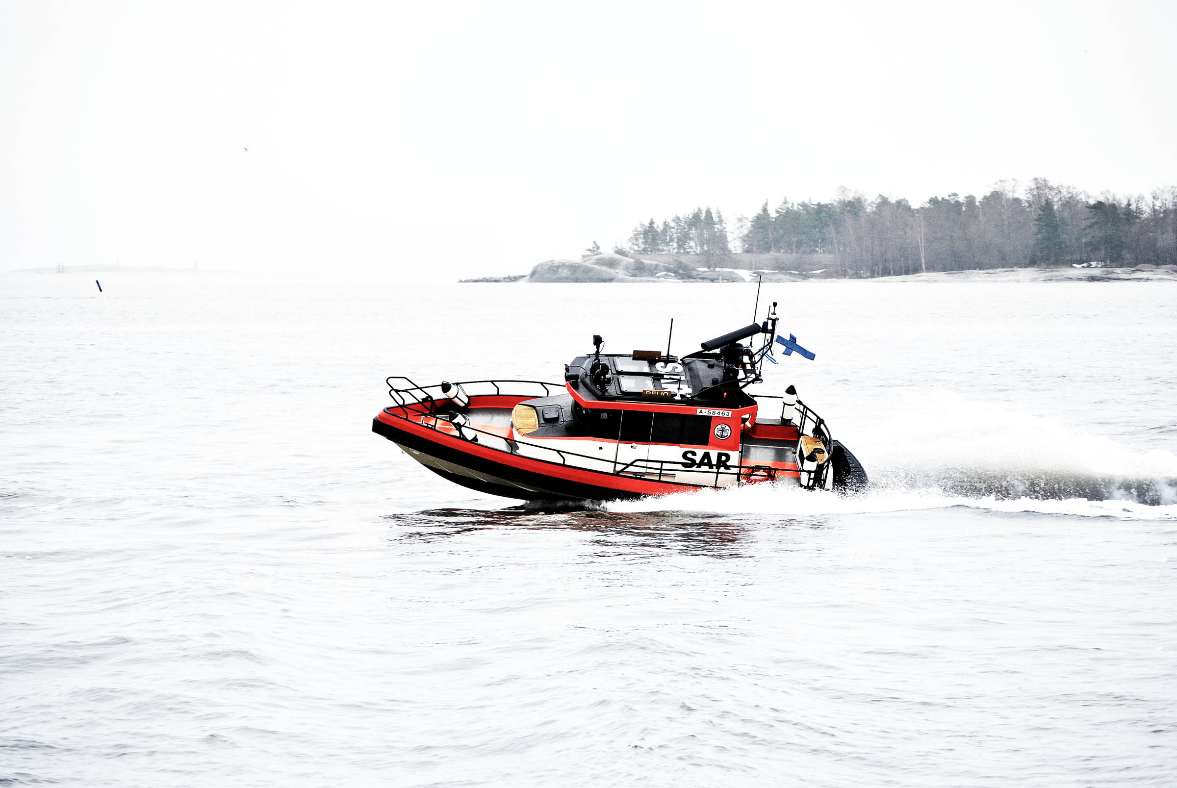 P25 SAR boat with finnish flag