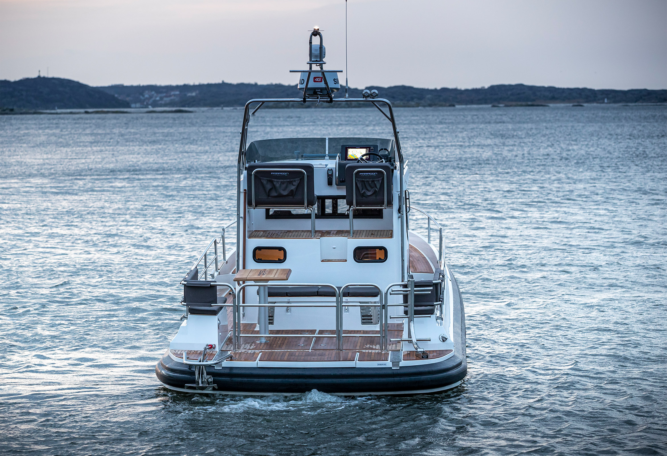Paragon Yachts 31 driving on the calm sea
